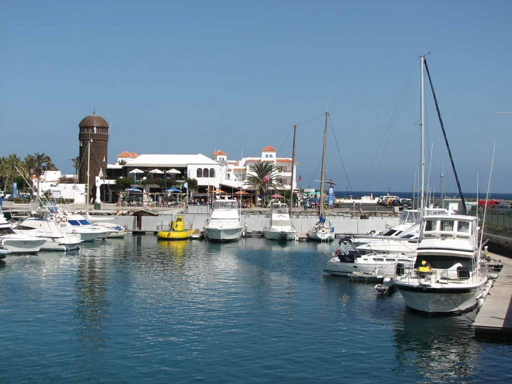 Marina Castillo Caleta de Fuste Fuerteventura leisure nautical activities sea lions water park jet ski flyboard kayak hobbie fishing catamaran whale watching diving